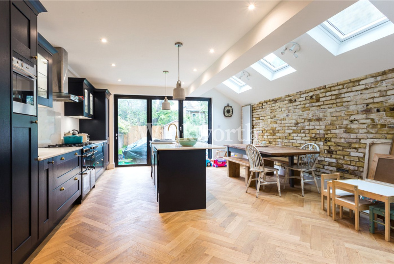 House to rent in Harringay - Frobisher Road, London, N8