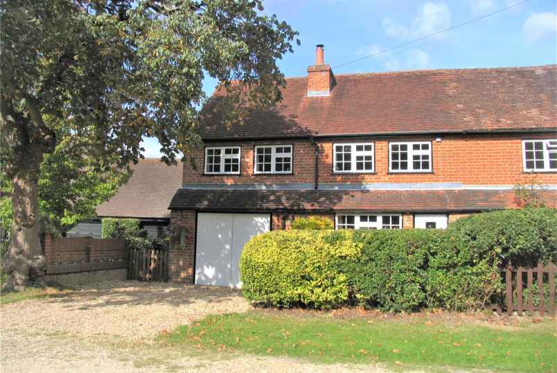 House to rent in Sunningdale - Chestnut Cottages, Cricket Hill Lane, Yateley, GU46