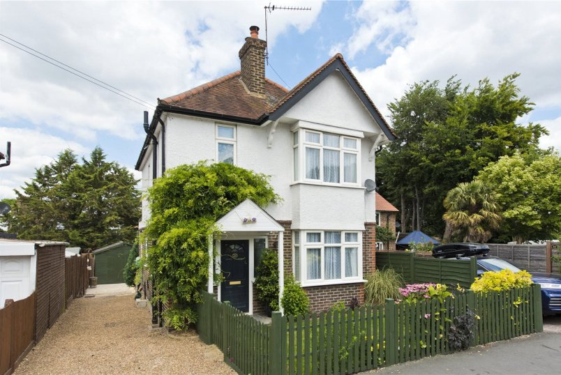 House for sale in Weybridge - Monument Road, Weybridge, Surrey, KT13