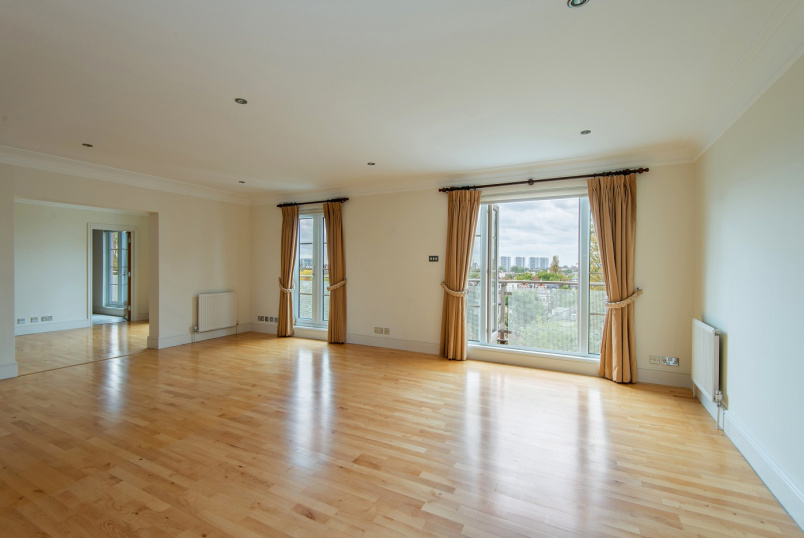 Apartment to rent in St Johns Wood - WILLIAM COURT, HALL ROAD, NW8 9PB