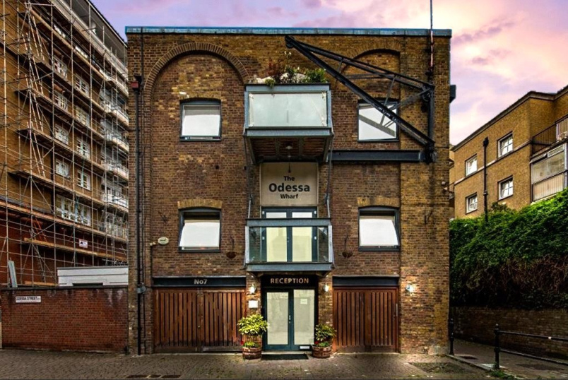 Flat/apartment for sale in Surrey Quays - Odessa Wharf, 7 Odessa Street, London, SE16