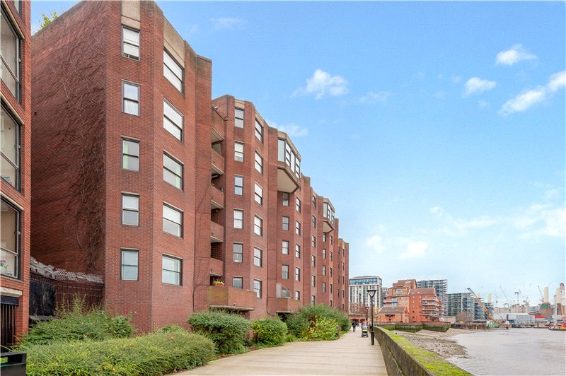 Flat/apartment for sale in Kennington - Riverside Court, 20 Nine Elms Lane, Vauxhall, SW8
