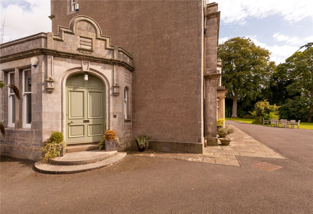 Image 2 of Comely Park House, 80 New Row, Dunfermline, KY12