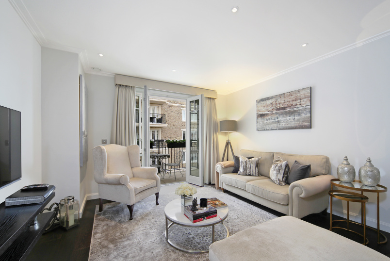 Flat/apartment for sale in Fulham & Parsons Green - Higham House East, 100 Carnwath Road, London, SW6
