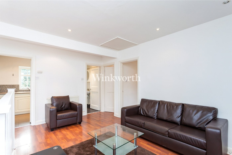 Maisonette to rent in  - Neale Close, London, N2