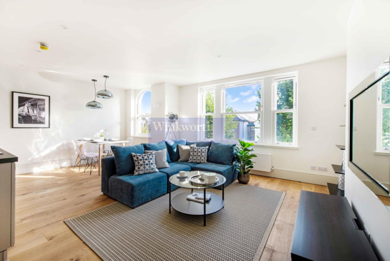 Flat for sale in Battersea - SISTERS AVENUE, SW11