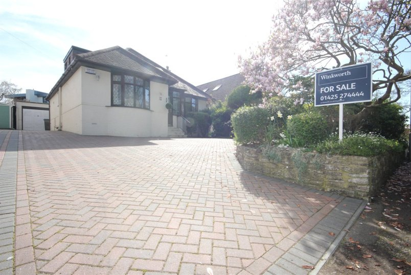 House for sale in Mudeford - Bure Lane, Christchurch, Dorset, BH23
