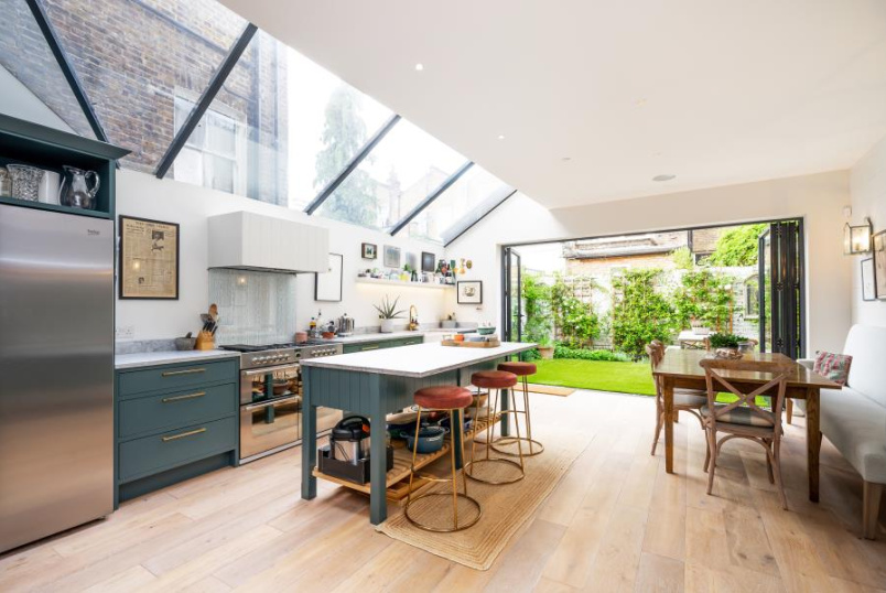 House - terraced to rent in St Johns Wood - GASCONY AVENUE, NW6 4ND