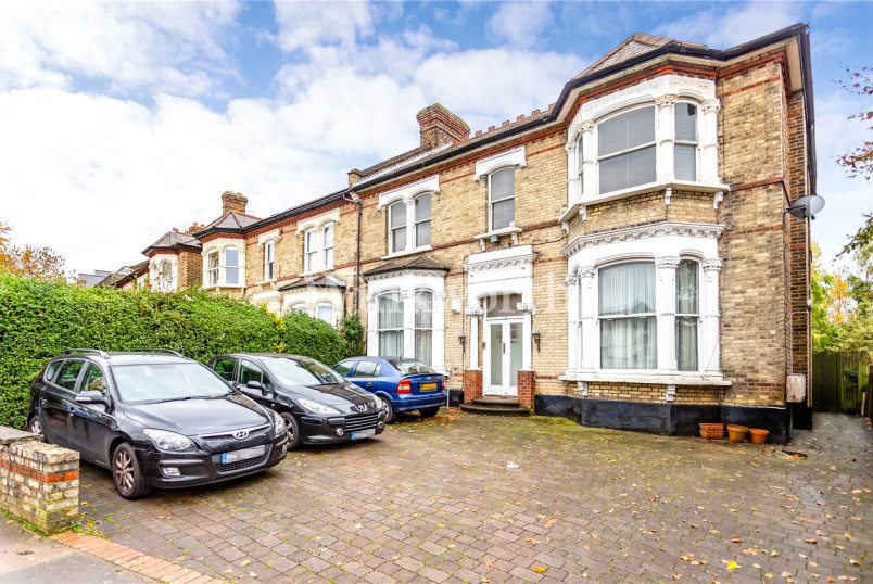 Flat/apartment to rent in Hendon - Station Road, London, NW4