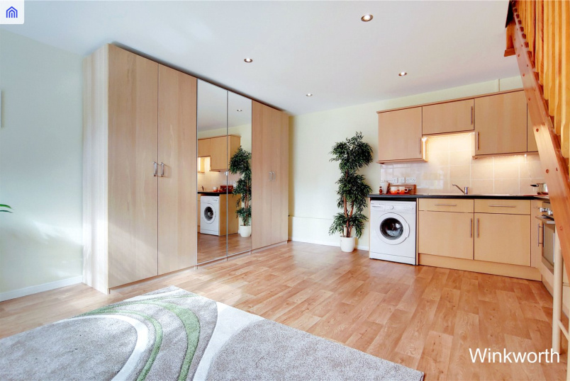 House for sale in Kingsbury - Talgarth Walk, Kingsbury, NW9