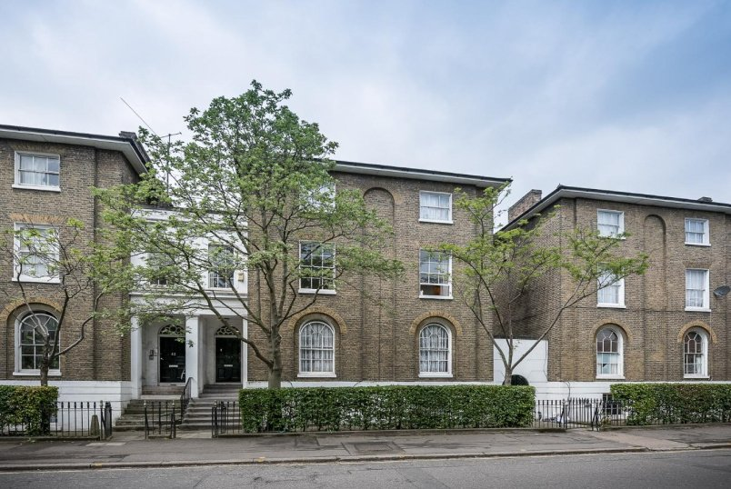Flat to rent in Kennington - FOXLEY ROAD, SW9