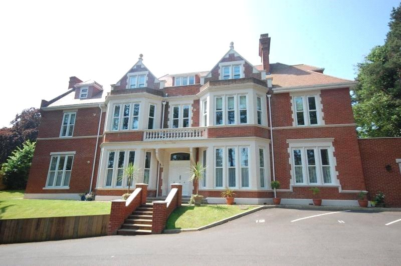 Flat/apartment to rent in Westbourne - Bassett House, 41 Knyveton Road, Bournemouth, BH1