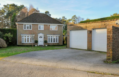 Tudor Close, Hindhead