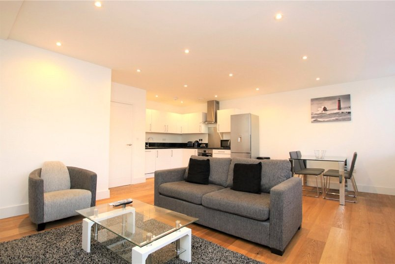 Flat/apartment to rent in Reading - Sussex House, 6 The Forbury, Reading, RG1