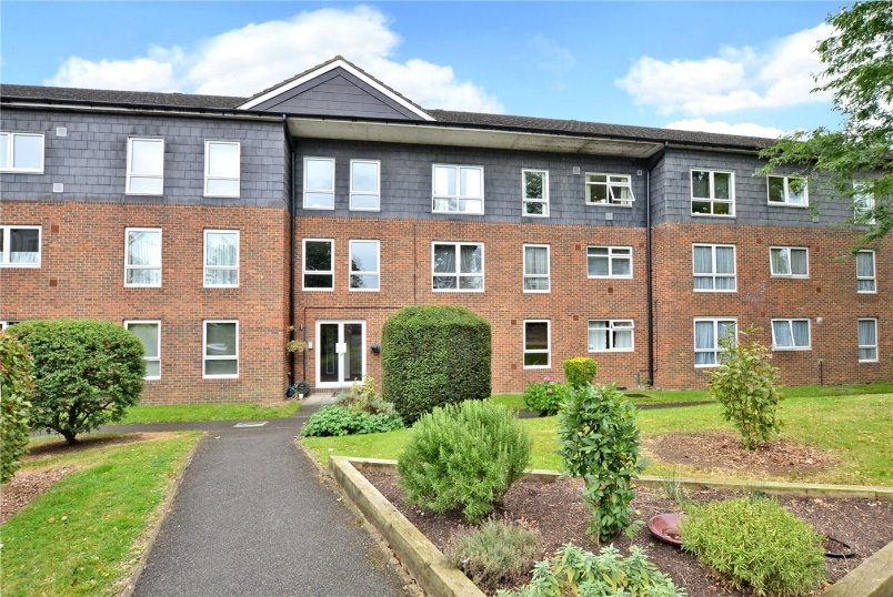 Flat/apartment for sale in Worcester Park - Briarwood Court, The Avenue, Worcester Park, KT4