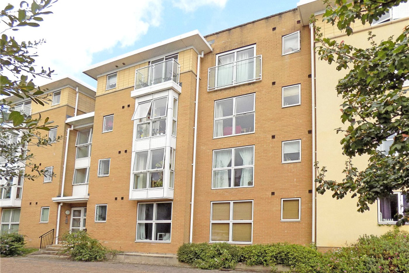 Flat/apartment to rent in Exeter - Richmond Court, Exeter, Devon, EX4