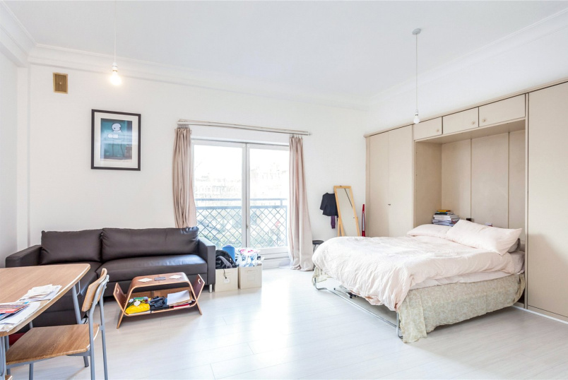 Flat/apartment to rent in Islington - Waterloo Gardens, Milner Square, London, N1