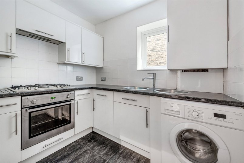Flat/apartment for sale in  - Avenue Park Road, London, SE27