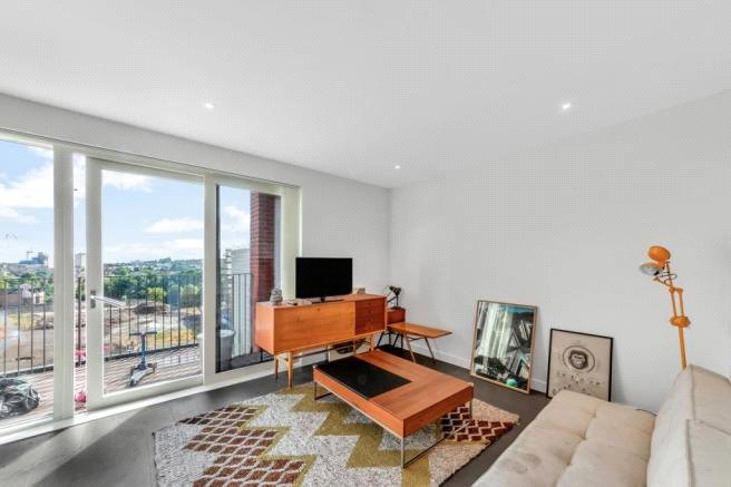 Flat/apartment to rent in Hendon - Reverence House, Colindale Gardens, Colindale, NW9