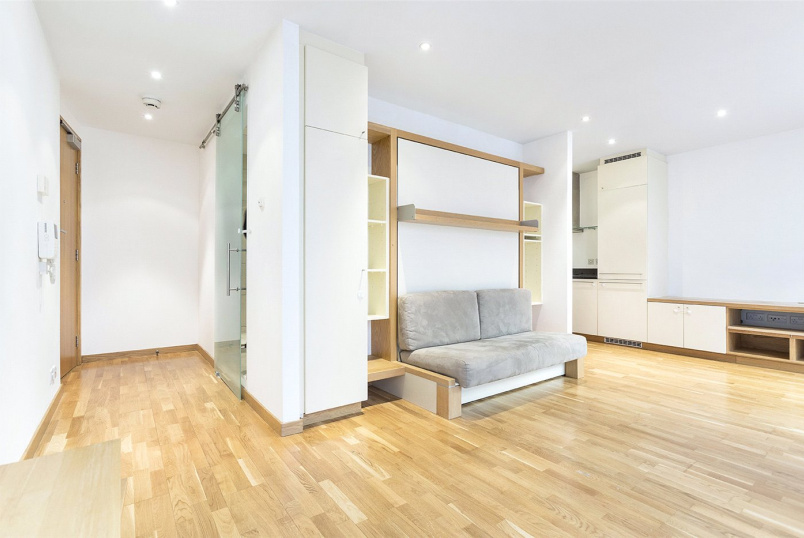 Flat/apartment for sale in Clerkenwell & City - Hosier Lane, London, EC1A