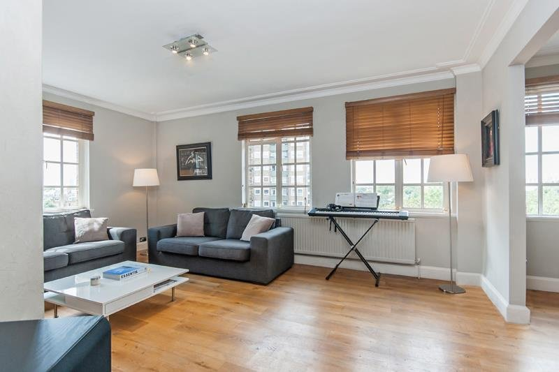 Flat to rent in St Johns Wood - CROPTHORNE COURT, W9 1TA