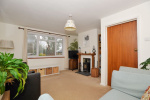 CHAIN FREE - Spacious 3 bed house, 0.9 miles from Haslemere Train Station & 160 yards from National Trust Land  4