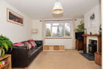 CHAIN FREE - Spacious 3 bed house, 0.9 miles from Haslemere Train Station & 160 yards from National Trust Land  5