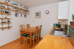 CHAIN FREE - Spacious 3 bed house, 0.9 miles from Haslemere Train Station & 160 yards from National Trust Land  8