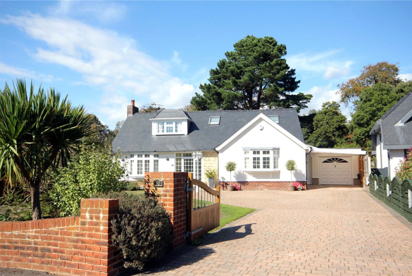 House for sale in Mudeford - Rothesay Drive, Highcliffe, BH23