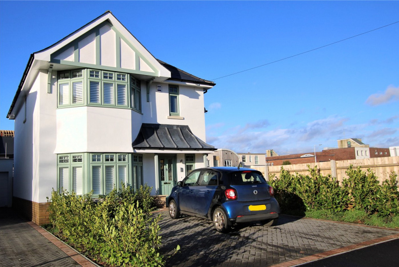 House for sale in Highcliffe - Wortley Road, Highcliffe, Christchurch, BH23