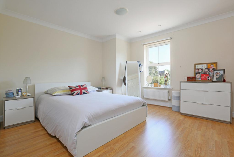 House to rent in Ealing & Acton - Soane Close, Ealing, London, W5