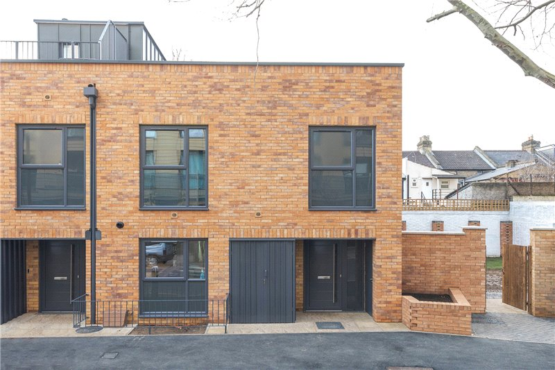 House for sale in Kennington - Lingham Street, Clapham, SW9