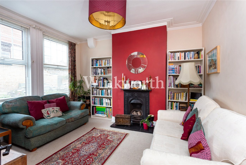 House for sale in Harringay - Hanbury Road, Bruce Grove, London, N17