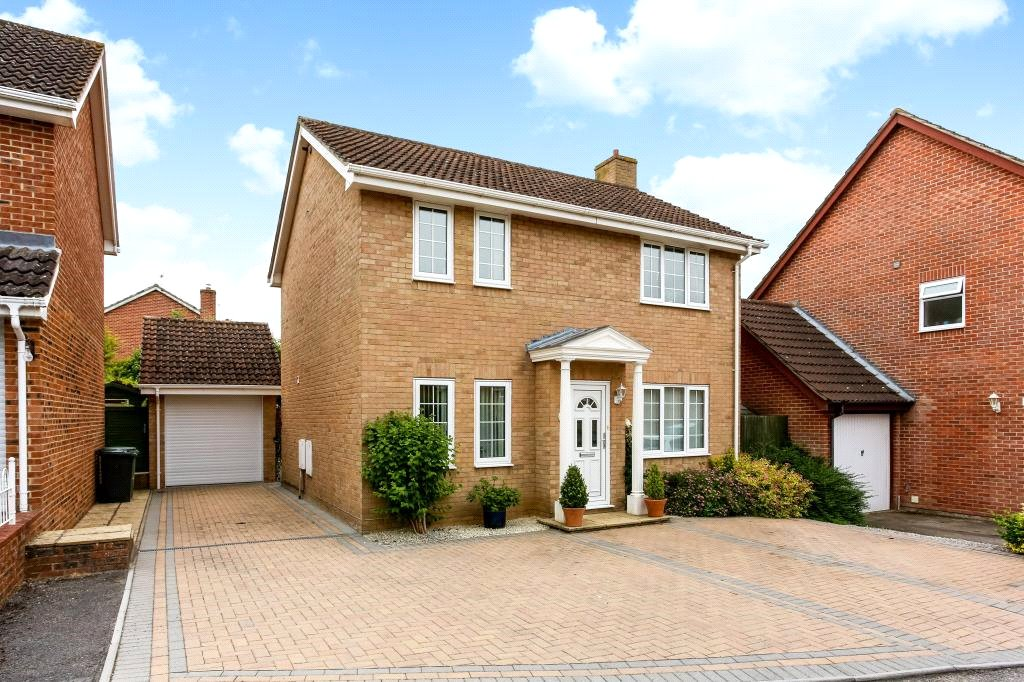 3 Bedroom Property For Sale In Juniper Close Chineham Basingstoke Rg24 Guide Price 385 000