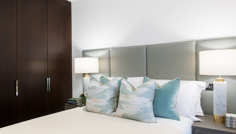 THREE BEDROOM APARTMENT | TO LET | CHARLES CLOWES WALK | NINE ELMS | SW11 Image 13