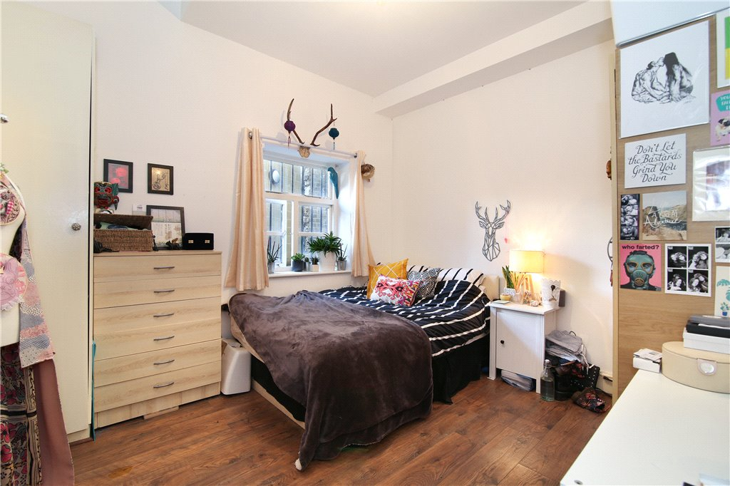 Barking Road, Pliastow, London, E13 Image 7