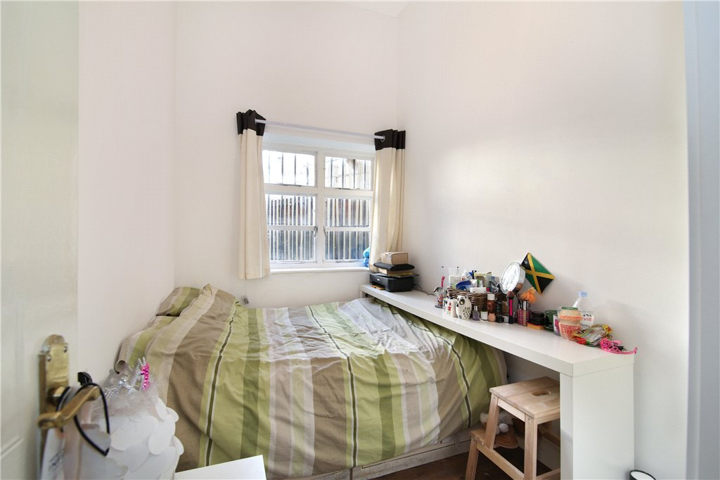 Barking Road, Pliastow, London, E13 Image 8