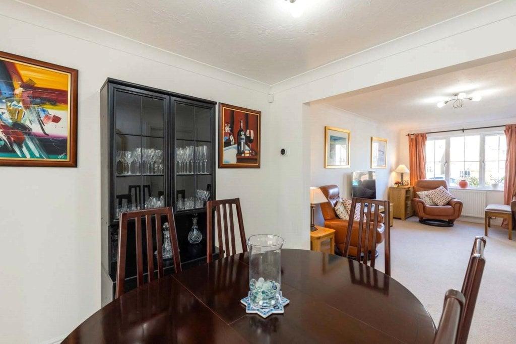 4 bedroom house for sale in St Andrews Drive, Bearsden ...