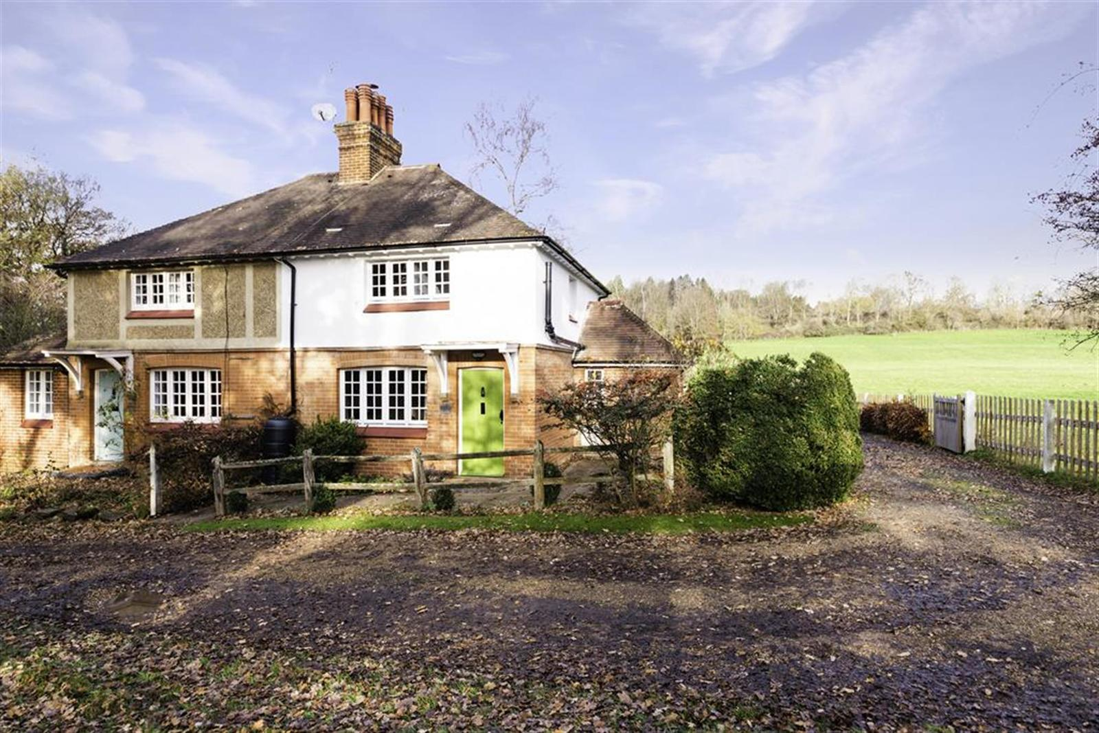 Colgate Barn Cottages, Coopers Hill Road, Nutfield, RH1 4HX Image 1