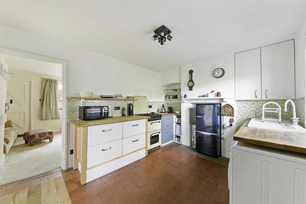 Colgate Barn Cottages, Coopers Hill Road, Nutfield, RH1 4HX Image 2