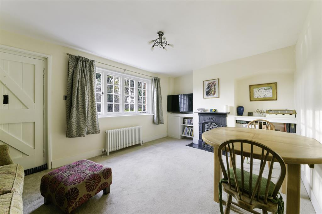 Colgate Barn Cottages, Coopers Hill Road, Nutfield, RH1 4HX Image 3