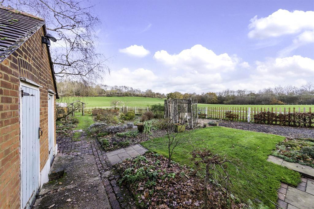 Colgate Barn Cottages, Coopers Hill Road, Nutfield, RH1 4HX Image 7
