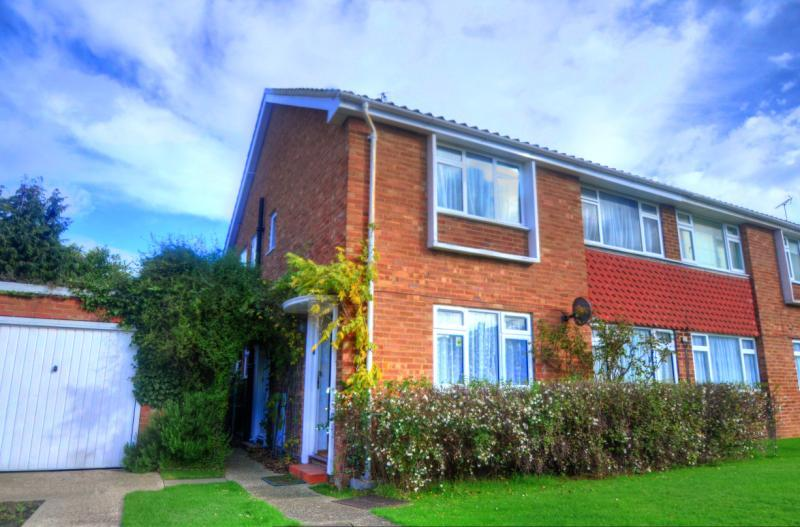 Jasmin Road, Ewell West, Surrey, KT19 9EA Image 1