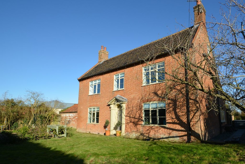 Lodge Farmhouse, Ilketshall St Lawrence Image 2