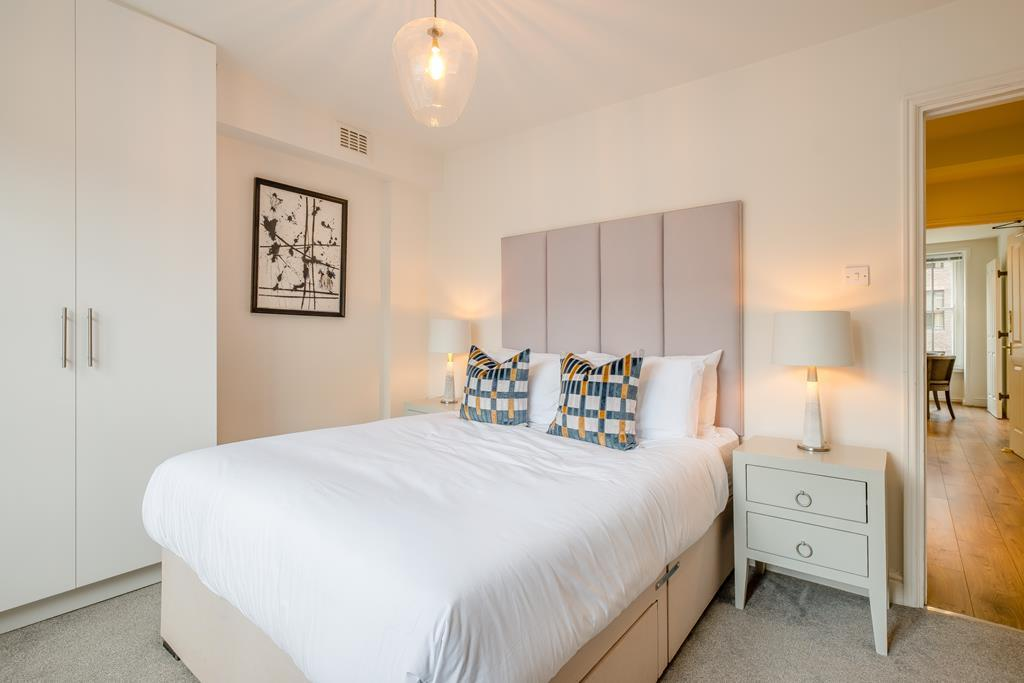 Two Bedroom | Nottingham Place | Marylebone | W1 Image 3