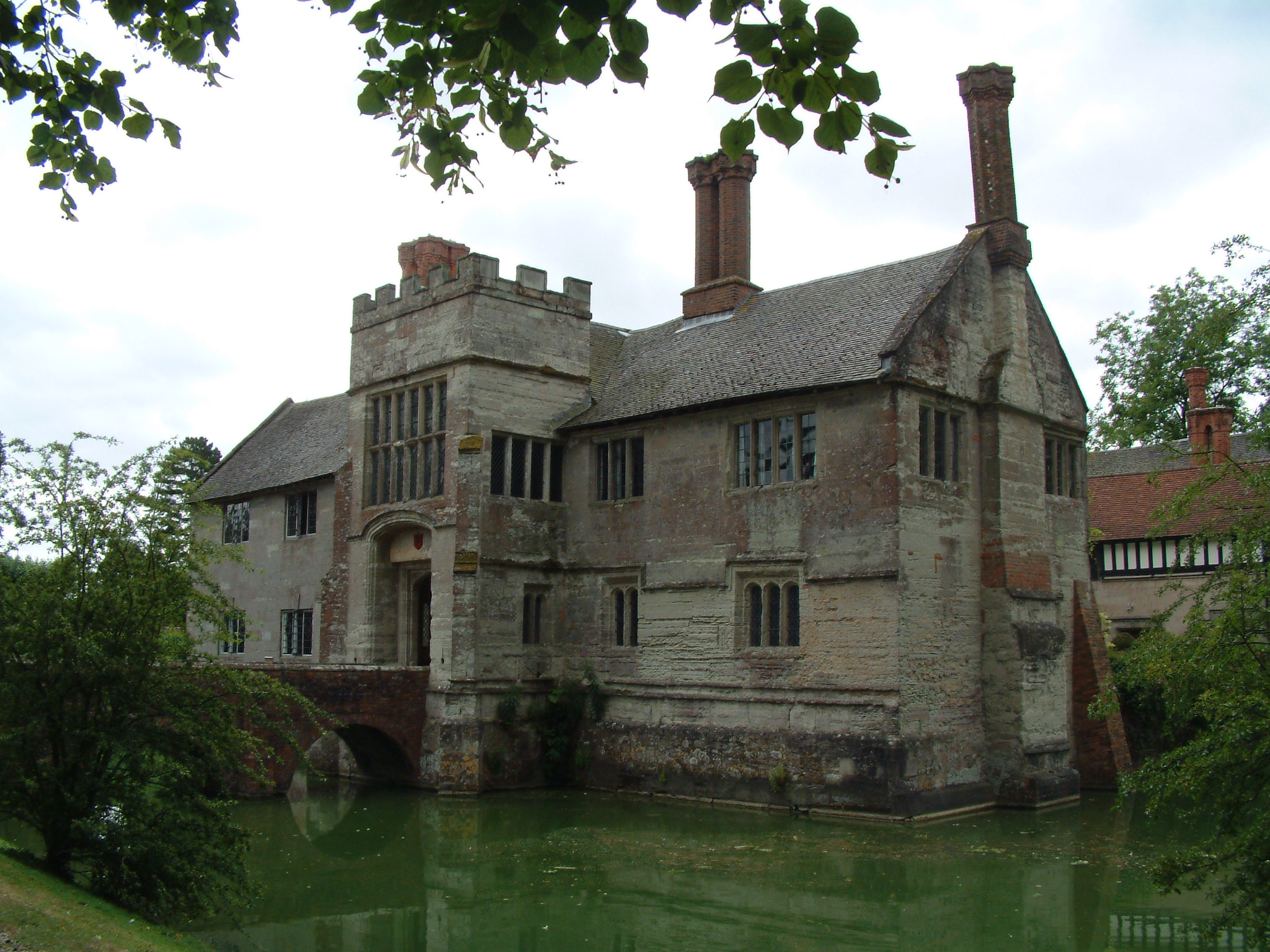 The Most Haunted Houses that you can Visit in England and ...